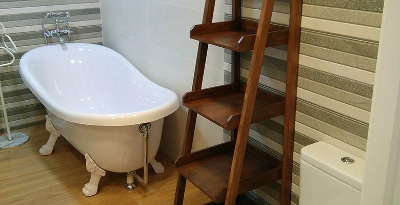 Bañera clásica en diseño de baño