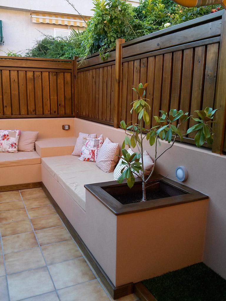 Detalle de jardinera en terraza