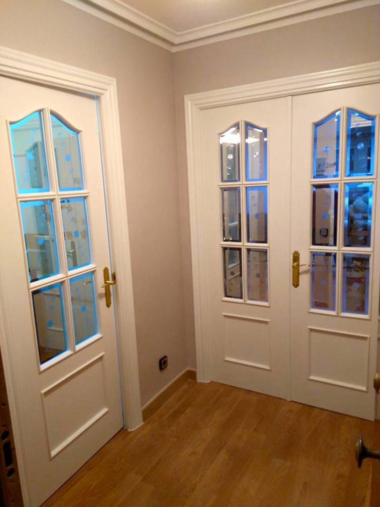 Puertas lacadas en blanco anteriormente de sapeli